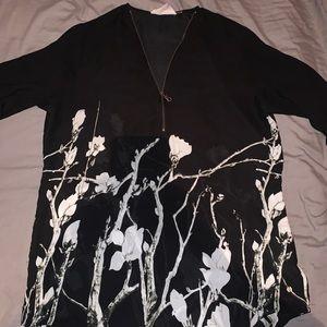 Point Zero zip up black &white floral print blouse